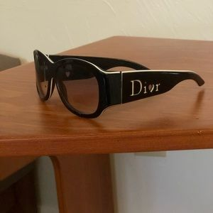 🕶AUTHENTIC DIOR sunglasses